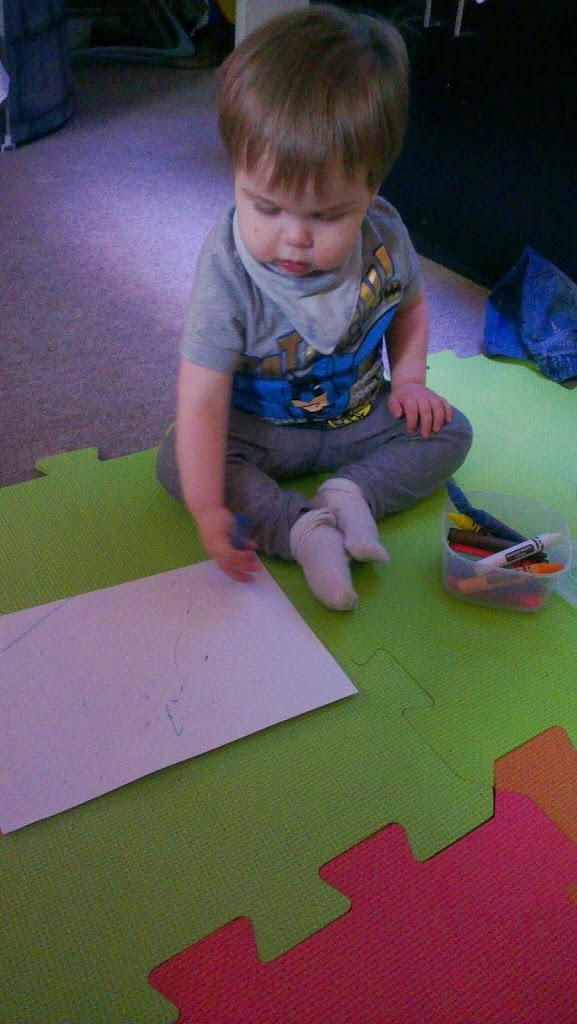 Day #2 of Toddler Christmas Crafts – Snowmen